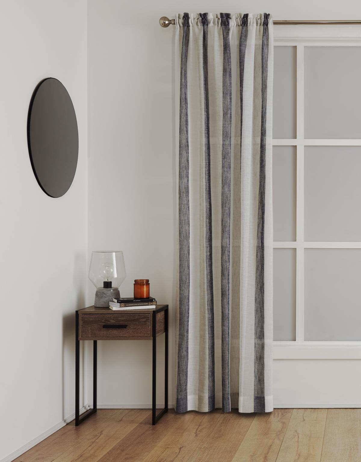 <b>Sheer Rod Pocket Curtain</p><p></b>Deco Onyx