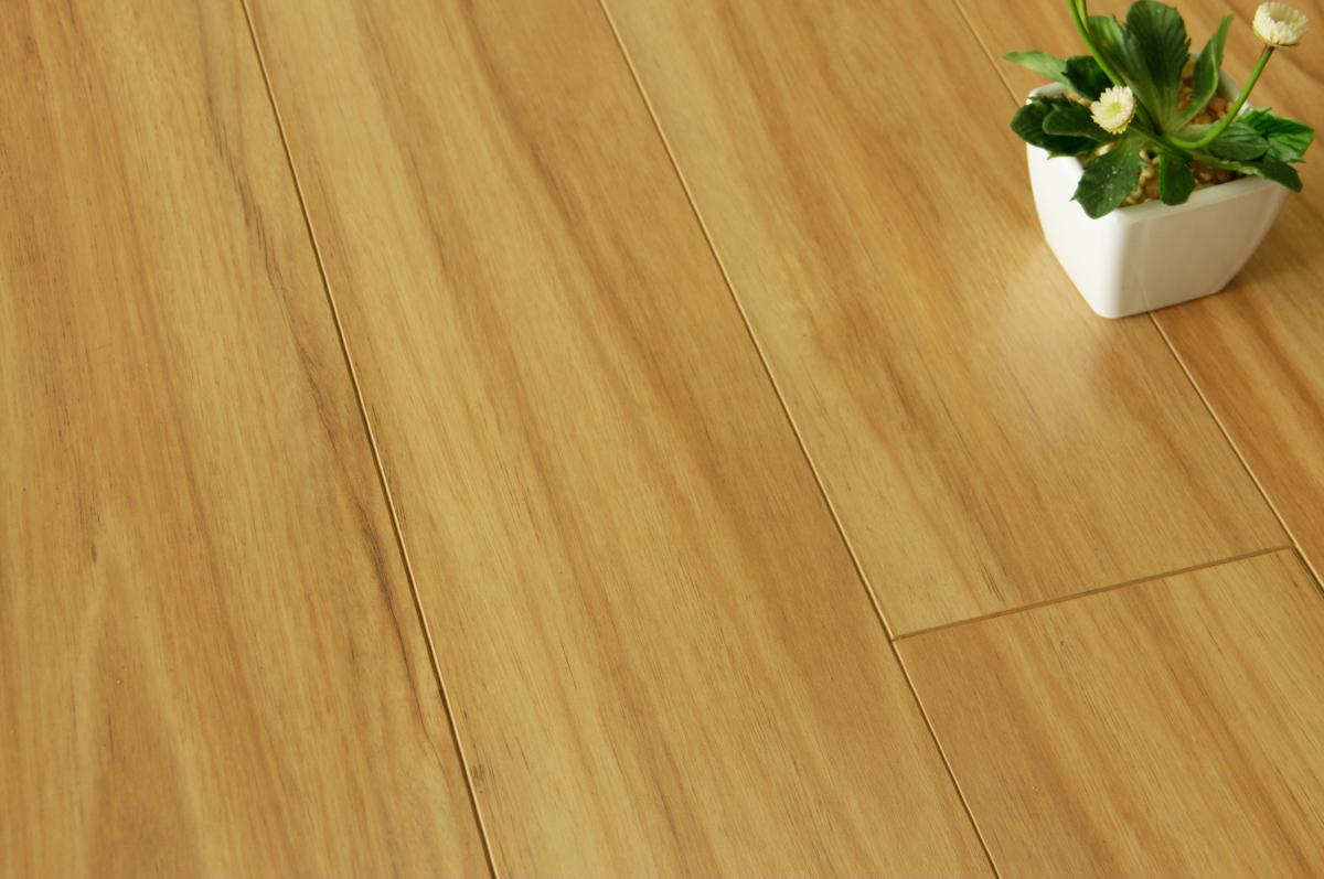 Water Resistant Blackbutt 12mm Laminate Smart Home Products
