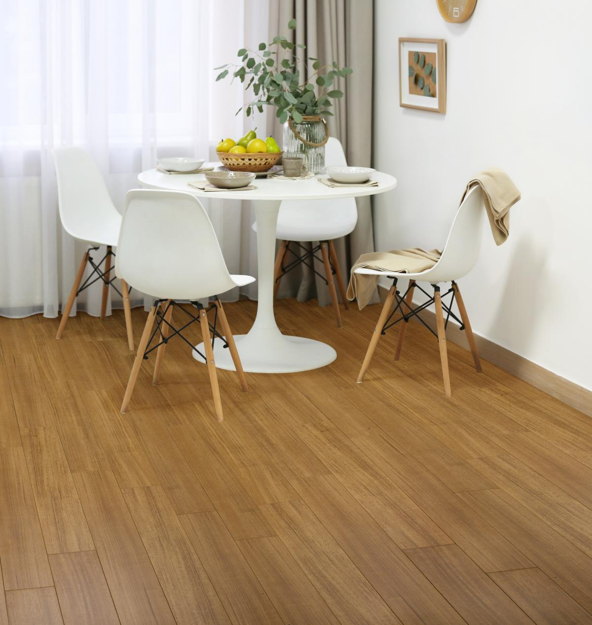 <b>Hybrid Waterproof Tasmanian Oak</p><p></b>Aquasmart Flooring